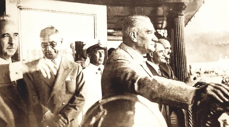 1930'ların sonlarına doğru Mustafa Kemal Atatürk