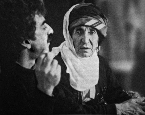 Metin Kahraman, 1938'de 14 yaşındayken yaşadıklarını aktaran Dünya Ana ile.