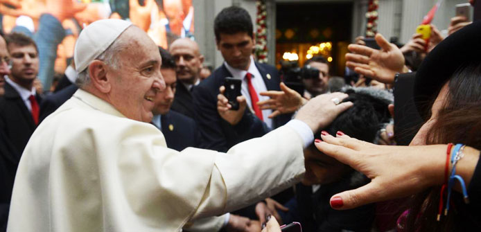 Pope Francis ends visit with message of unity