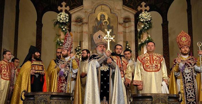 Patriarch of Jerusalem Speaks out against Karekin II