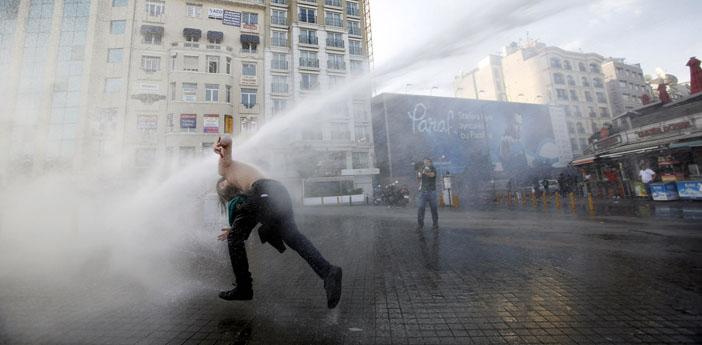 Türkiye'nin 2014 İnsan hakları karnesi: 2 bini aşkın insan hayatını kaybetti