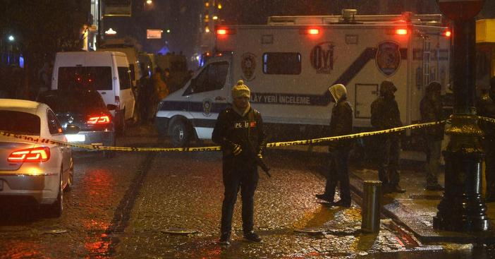 Suicide bomber targets police station in Sultanahmet: 1 police officer dead