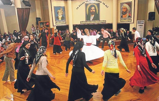 Karşıyaka ve Konak'ta cemevleri artık ibadethane