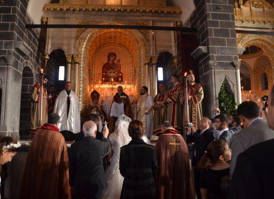 Patrikhane'den törenlere dengesiz zam