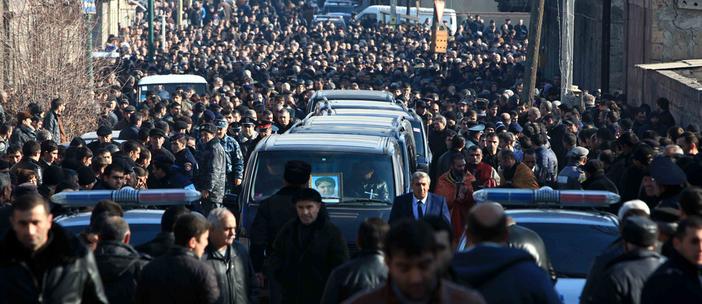 Gümrü'deki katliam sonrası gerilim büyüyor: Rusya konsolosluğu önünde eylem