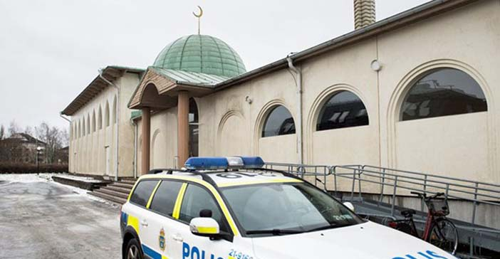 İsveç'te yine cami saldırısı