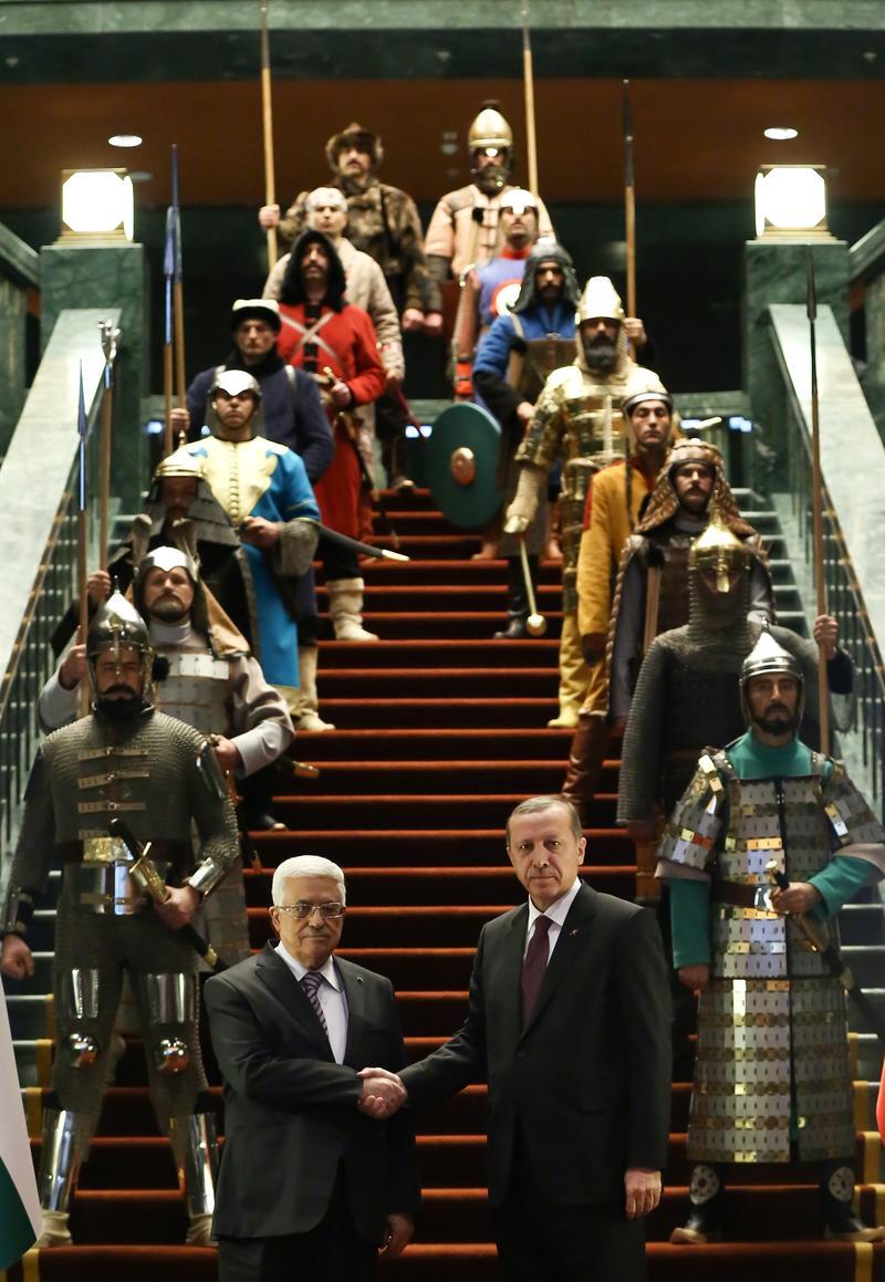 Mahmud Abbas ve Recep Tayyip Erdoğan, '16 Türk devleti askeri'yle.