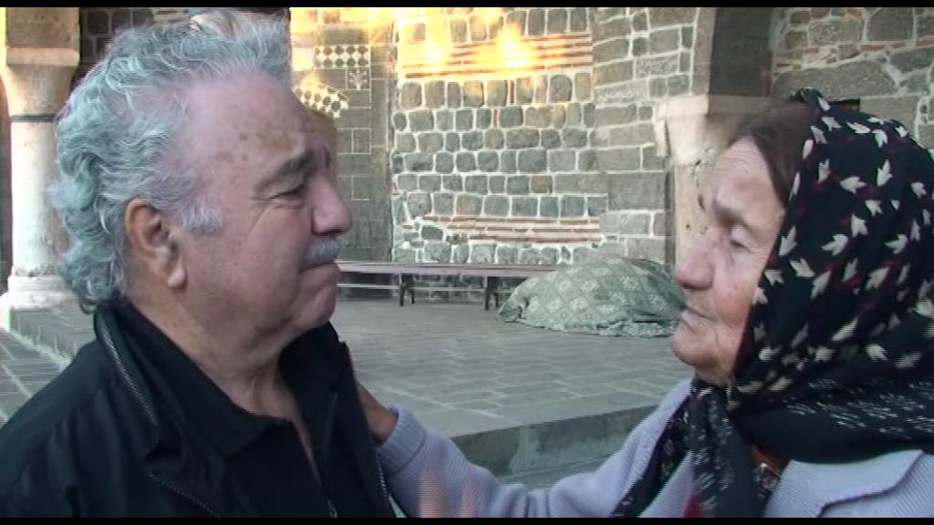 Garod belgeselinden Diyarbakır'ın son Ermenilileri'nden Baydzar ile birlikte.