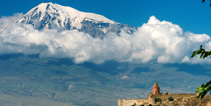 Yakın ve uzak komşu Ermenistan'a mimari yolculuk