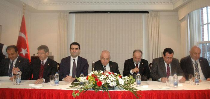Çiçek'ten Türkiye Diasporasına '2015'te örgütlenin' çağrısı