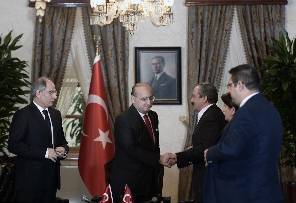 Ortak açıklama yapıldı - Öcalan'dan silahsızlanma çağrısı