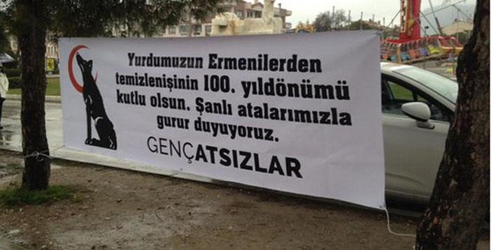 Türkiye'nin dört bir yanından ırkçı afiş manzaraları
