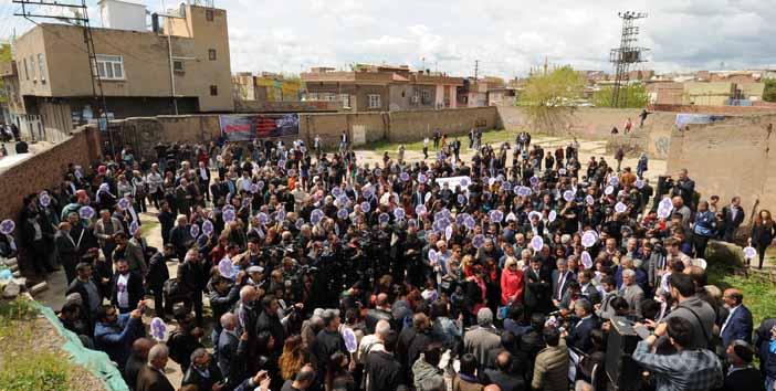 Demirtaş: Keşke bugün Türkiye'nin bütün kentlerinde birlikte yas tutabilseydik