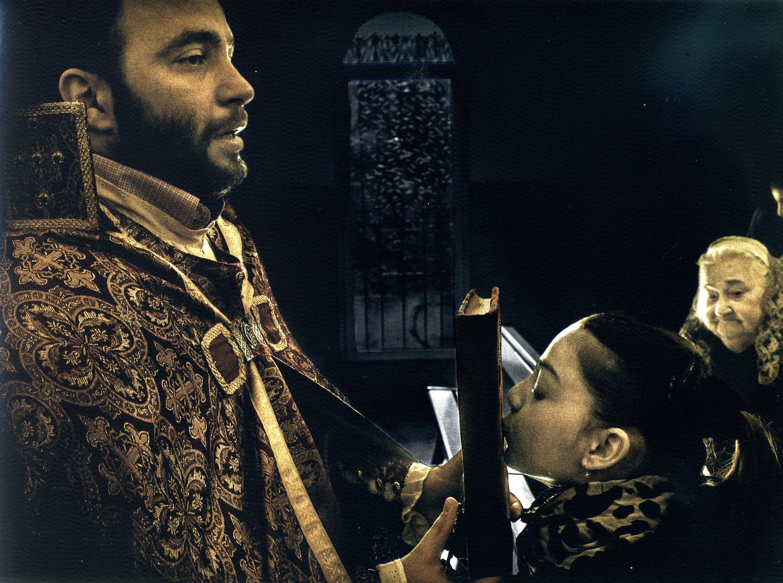 'Sürgün': Ermeni Apostolik Kilise'sinde ayin (Marsilya 2013)