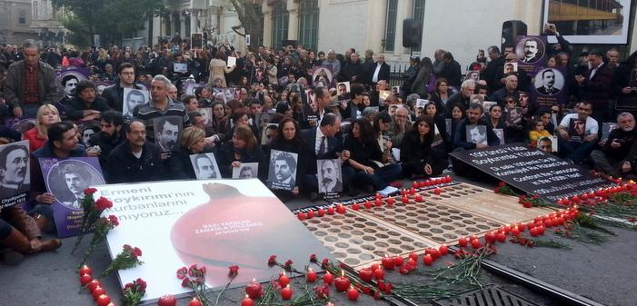 Binler soykırım kurbanlarını anmak için buluştu