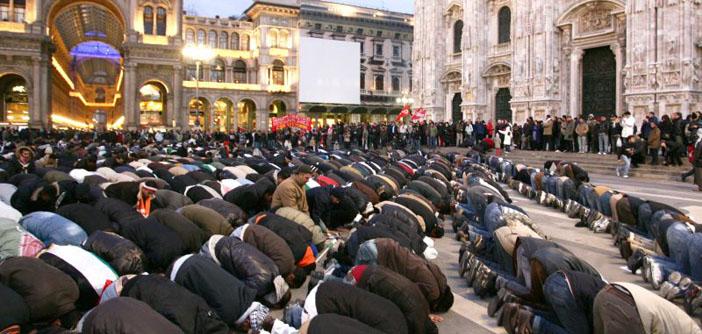 Katolik Kilisesi'nden cami karşıtı yasaya tepki: Kapımız Müslümanlara açık