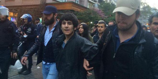 Kadıköy'de soykırım anmasına polis saldırısı: 6 gözaltı