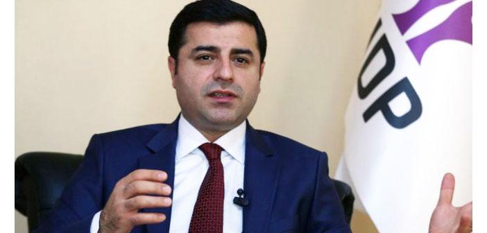 Demirtaş: AKP iktidarı kaybetmenin, biz barajın sınırında