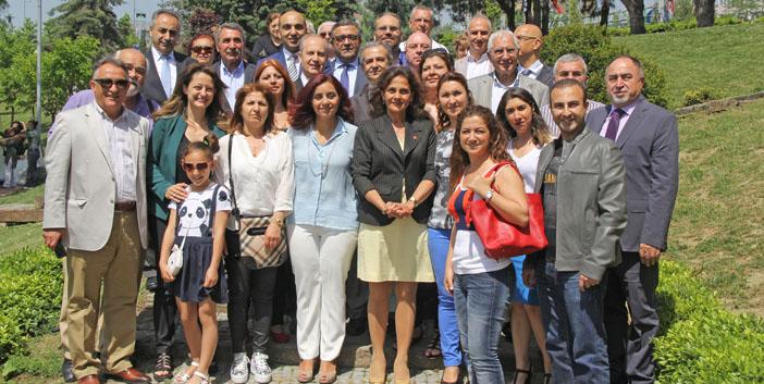CHP, Ermeni, Rum ve Süryani toplumu temsilcileriyle bir araya geldi