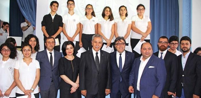 Bülent Arınç'tan Surp Haç Tıbrevank Lisesi'ne ziyaret
