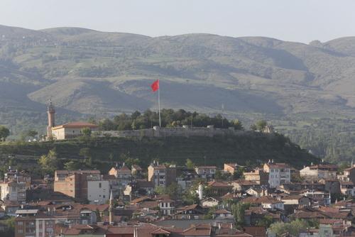 Ünlü Anaitis Tapınağı'nın yer aldığı Zile (Zela) Kalesi. Ermenilerin buradaki tapınağa saygı gösterdikleri bilinmektedir.