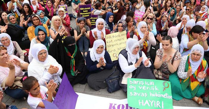Barış İçin Kadın Girişimi: Barış için yürüdük, savaş hükümetine hayır