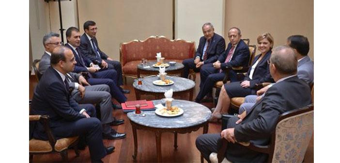 AKP - CHP koalisyon görüşmesi devam ediyor