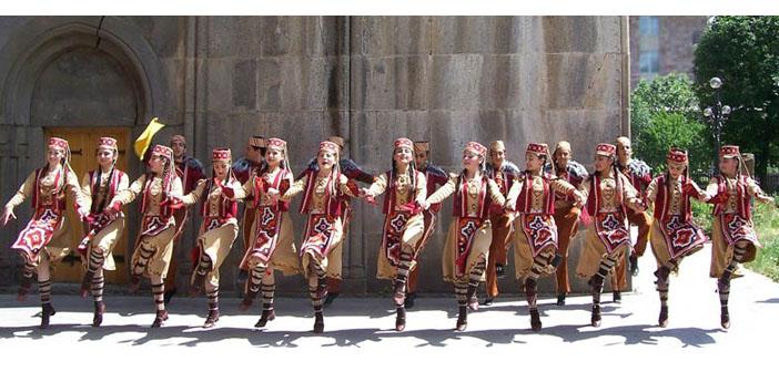Geleneksel Koçari dansı UNESCO yolunda