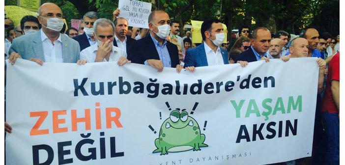 """Kurbağalıdere için eylem: """"Kadıköy cezalandırılıyor mu?"""""""