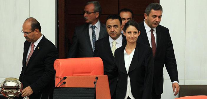 Mecliste olağanüstü toplantı başladı