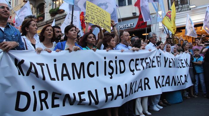 Suruç katliamı protesto edildi