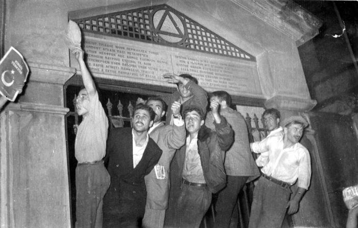 Agos'un Manşeti - Rumlardan Meclis'e 6-7 Eylül çağrısı