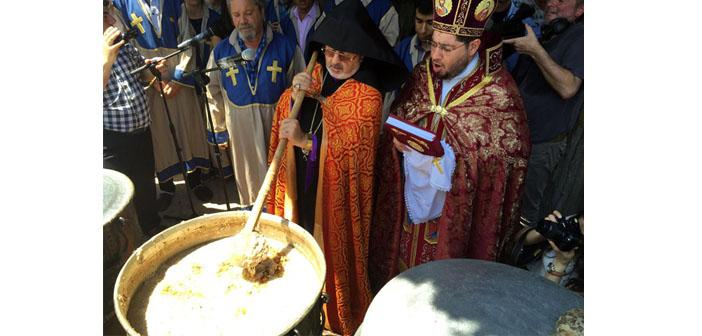 Üzümler kutsandı Hriseler pişti, eller barış için birleşti