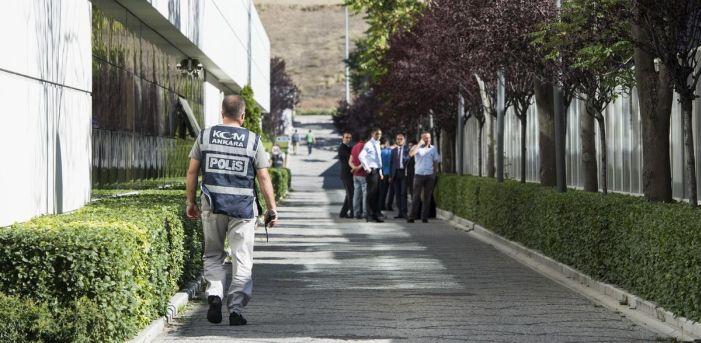 İpek Medya Grubu'na polis baskını