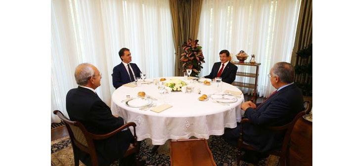 Koalisyon görüşmeleri: Liderler cuma bir araya gelecek