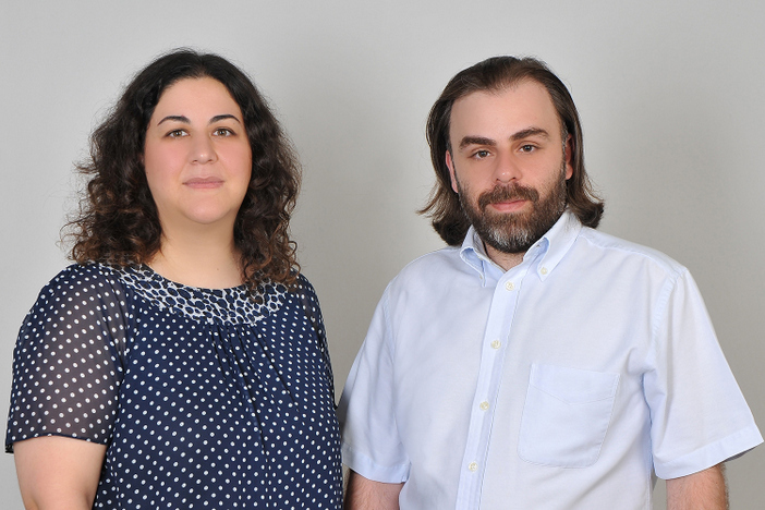 Filmin yönetmenleri Aren Perdeci ve Ela Alyamaç.