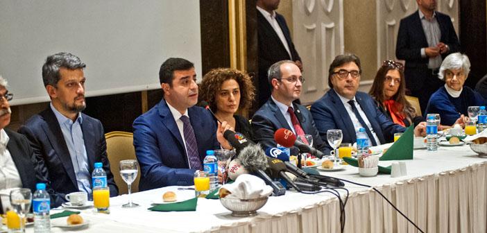 Demirtaş, Ermeni, Rum, Süryani ve Yahudi toplumunun temsilcileriyle buluştu