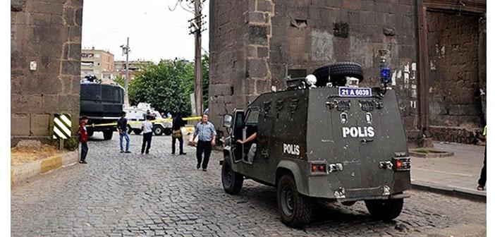 Diyarbakır'da 9 yaşındaki bir çocuk ve bir polis öldü