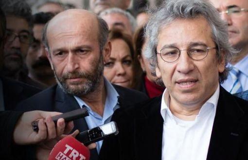 Gazeteciler Dündar ve Gül tutuklandı