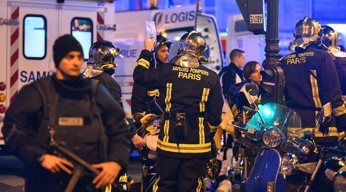Paris'te silahlı ve bombalı saldırı: En az 128 ölü