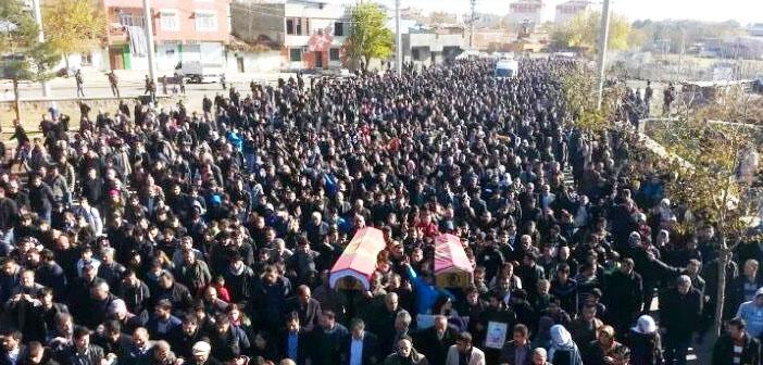 Diyarbakır'da hayatını kaybeden Cengiz ve Salman toprağa verildi