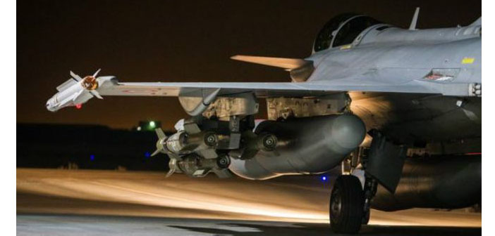 Koalisyon uçakları Suriye askerlerini vurdu iddiası
