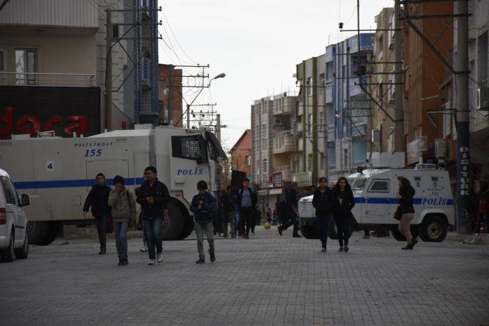 Nusaybin'de sokağa çıkma yasağına ara verildi