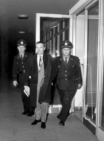 rudolf augstein 103 gun tutuklu kaldı.