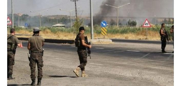 Silvan'da bombalı saldırı: İki polis hayatını kaybetti