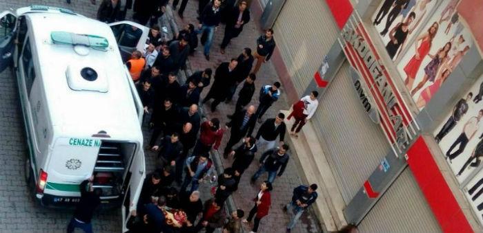 Cizre'de ikisi çocuk, üç kişi öldürüldü