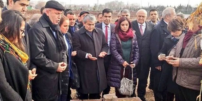 CHP heyeti: 'Bölgede savaş hukuku dahi uygulanmıyor'