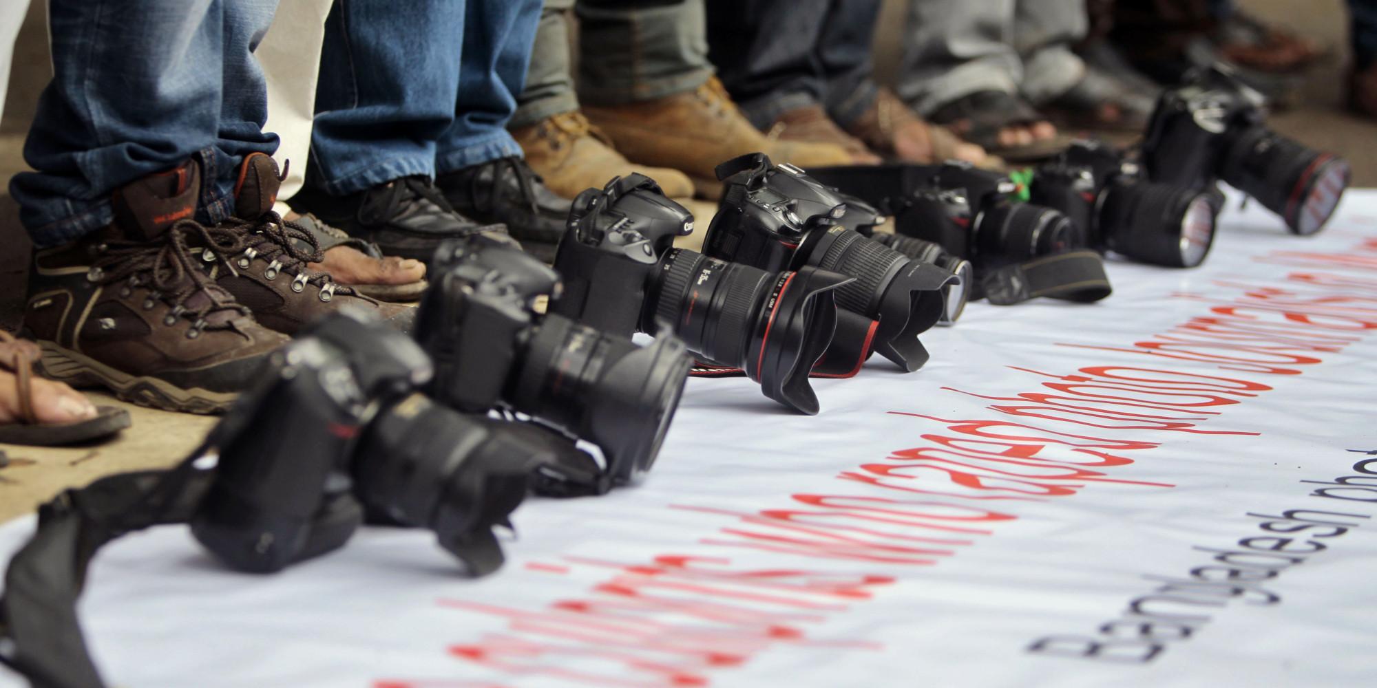 Gazetecilerden akademisyenlere imza desteği