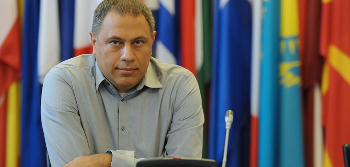 Akdeniz: İnternetteki ırkçılıkla mücadelede yasaklama çözüm değil