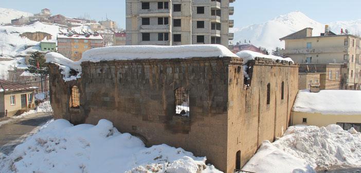 Bitlis kilisesi destek arıyor